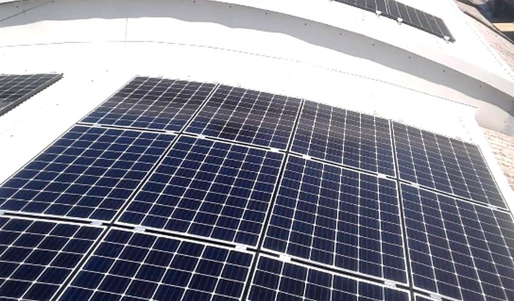 Impianto fotovoltaico su tetto a falde